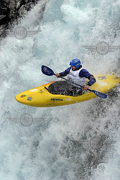 Winner of the Ektremsportveko  downhill kayak finals, Mike Abbot of New Zealand, in the Brandseth river.<br />