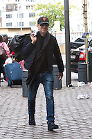 Gad Elmaleh arrive à la gare du Midi à Bruxelles - Belgique - EXCLU
