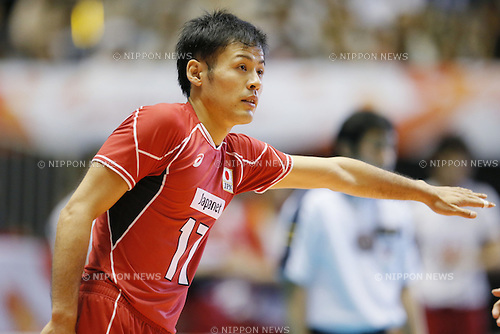 Takeshi Nagano (JPN), SEPTEMBER 21, 2015 - Volleyball : FIVB Men's World Cup 2015 A-site 3rd Round between Japan 0-3 Argentina 1st Yoyogi Gymnasium in Tokyo, Japan. (Photo by Yusuke Nakanishi/AFLO SPORT)