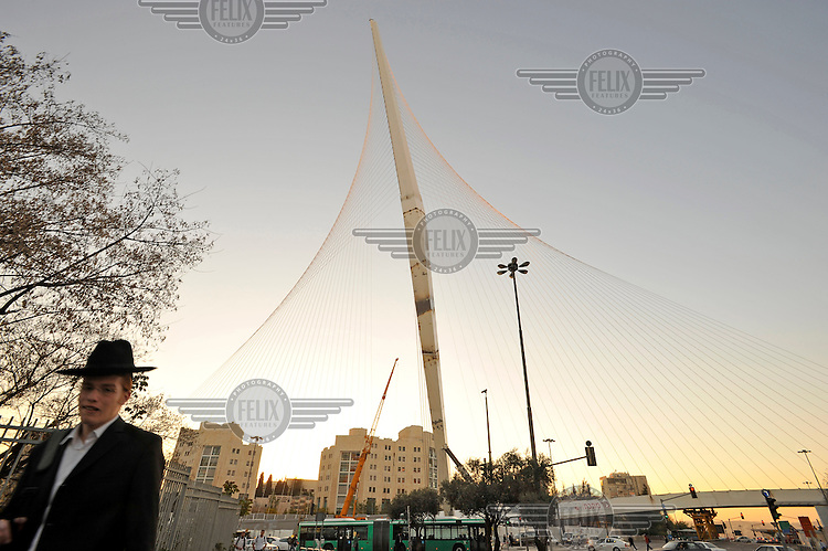 The Calatrava Bridge, which is still under construction, at the entrance to the city of Jerusalem.
