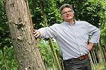 Foto: VidiPhoto<br /> <br /> OPHEUSDEN - Portret van Dick Huibers, algemeen directeur van boomkwekerij Huverba in Opheusden.