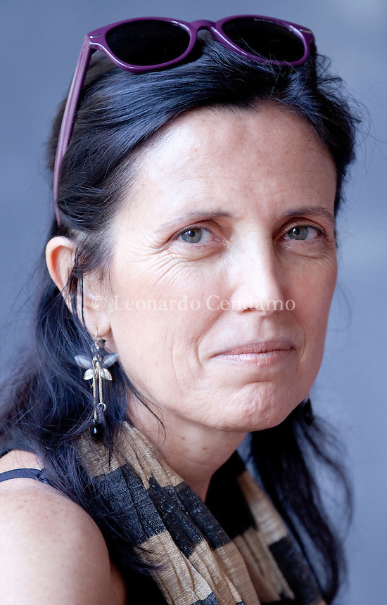 Claudia Piñeiro was born in the province of Buenos Aires in 1960. As an author and scriptwriter for television she has already won numerous national and international prizes for her literary, dramatic and journalistic work. Mantova, settembre 2012. © Leonardo Cendamo