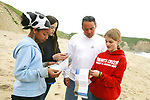 Rosita, Naomi, Jerry & Trillium On Beach Cleanup