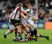 Twickenham, GREAT BRITAIN, Exiles, Gary JOHNSON's run is halted by the Quins defenders, during the EDF Energy Cup rugby match,  Harlequins vs London Irish, at Twickenham Stoop, Surrey on Sat 25.10.2008 [Photo, Peter Spurrier/Intersport-images]