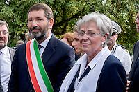 Roma 16 Settembre 2015<br /> Il  sindaco di Roma, Ignazio Marino inaugura piazza Martin Lutero, padre della Riforma Protestante, nel parco del Colle Oppio accompagnato da una delegazione di deputati tedeschi. Il sindaco di Roma Ignazio Marino e il sindaco di Lutherstadt Eisleben, citt&agrave; natale di Lutero, Jutta Fischer, scoprono la targa dedicata a Martin Lutero.<br /> Rome 16 September 2015<br /> The mayor of Rome, Ignazio Marino inaugurates Square Martin Luther, father of the Protestant Reformation, in the park of Colle Oppio accompanied by a delegation of German MPs. Rome mayor Ignazio Marino and Mayor of Lutherstadt Eisleben, hometown of Martin Luther, Jutta Fischer, they discover the plaque dedicated to Martin Lutero.