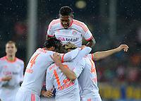 FUSSBALL   1. BUNDESLIGA   SAISON 2012/2013  14. SPIELTAG     SC Freiburg - FC Bayern Muenchen      28.11.2012 JUBEL FC Bayern Muenchen; Teamjubel nach dem Tor zum 0-2 mit David Alaba (oben)