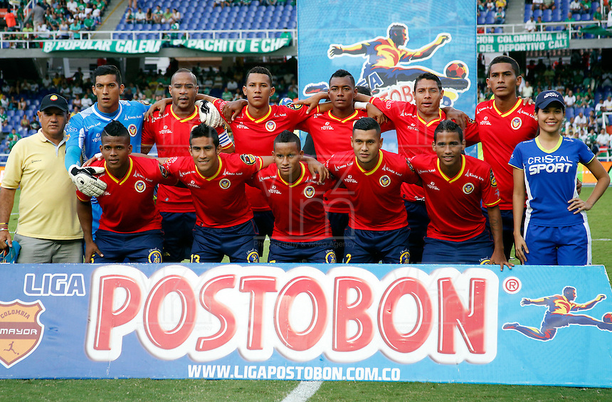 CALI -COLOMBIA-05-10-2014. Jugadores de Uniautónoma posan para una foto previo al encuentro con Deportivo Cali  por la fecha 13 de la Liga Postobón II 2014 jugado en el estadio Pascual Guerrero de la ciudad de Cali./ Uniautonoma players pose to a photo prior the match against Deportivo Cali for the 13th date of Postobon League II 2014 played at Pascual Guerrero stadium in  Cali city.Photo: VizzorImage/ Juan C. Quintero /STR