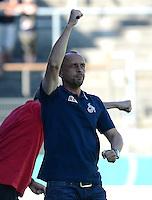 FUSSBALL  DFB POKAL        SAISON 2012/2013 SpVgg Unterchaching - 1. FC Koeln  18.08.2012 Jubel nach dem Tor zum 0:2 Trainer Holger Stanislawski (1. FC Koeln)