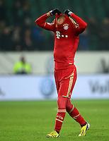 FUSSBALL   1. BUNDESLIGA   SAISON 2012/2013    22. SPIELTAG VfL Wolfsburg - FC Bayern Muenchen                       15.02.2013 Arjen Robben (FC Bayern Muenchen)  zieht sich nach dem Abpfiff das Trikot ueber den Kopf