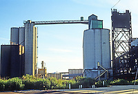 Buffalo: Buffalo River--Kellogg Elevator, left and center right; Michigan St. Bridge, far right. Very Franz Kline! Photo '88.