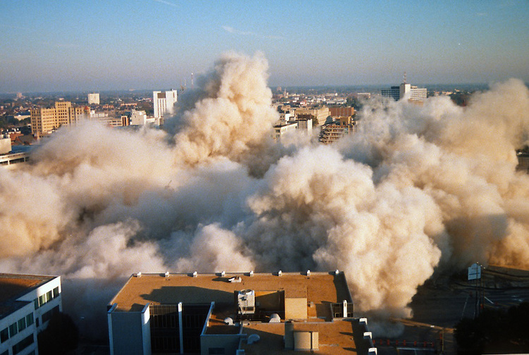 1996 November 24..Redevelopment..Macarthur Center.Downtown North (R-8)..SEQUENCE 19.IMPLOSION OF SMA TOWERS.LOOKING NORTH FROM ROOFTOP .OF MAIN TOWER EAST.PV3..NEG#.NRHA#..