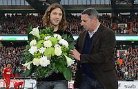 FUSSBALL   1. BUNDESLIGA   SAISON 2011/2012    12. SPIELTAG SV Werder Bremen - 1. FC Koeln                              05.11.2011 Torsten FRINGS (li) und Manager Klaus ALLOFS (re, beide Werder Bremen)