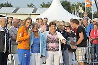 ZEILEN: WARTEN: 27-08-2016, Huldiging Marit Bouwmeester, Marit Bouwmeester met haar grootouders, ©foto Martin de Jong