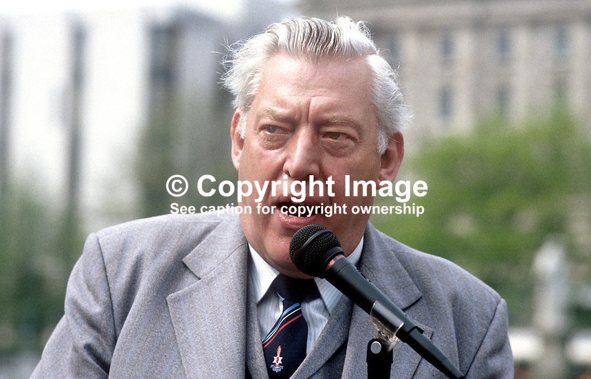 Rev Ian Paisley, MP, MEP, assemblyman, leader of the Democratic Unionist Party, 19850506IP1..Copyright Image from Victor Patterson, 54 Dorchester Park, Belfast, UK, BT9 6RJ..Tel: +44 28 9066 1296.Mob: +44 7802 353836.Voicemail +44 20 8816 7153.Skype: victorpattersonbelfast.Email: victorpatterson@me.com.Email: victorpatterson@ireland.com (back-up)..IMPORTANT: If you wish to use this image or any other of my images please go to www.victorpatterson.com and click on the Terms & Conditions. Then contact me by email or phone with the reference number(s) of the image(s) concerned.