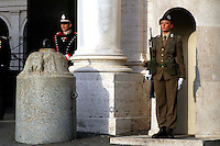 "Roma 22 Novembre 2007.Una  donna soldato del 235° Reggimento ""Piceno""  composto di sole donne equipaggiata con fucile mitragliatore Beretta Ar 70/90 durante la guradia di rappresentanza all'ingresso del Quirinale sede del Presidente della Repubblica .23 November 2007.An Italian woman soldier performs the daily changing of the guard ceremony at the 'Quirinale Palace' presidential residence in central Rome . Some 50 armed women sentries volunteers from Italy's 235th 'Piceno' regiment, take part for the first time in a ceremony at the Palace guards corps..Equipped with submachine gun Beretta AR 70/90."