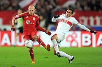 Fussball 1. Bundesliga:  Saison   2011/2012    16. Spieltag VfB Stuttgart - FC Bayern Muenchen  11.12.2011 Foul an Arjen Robben (li, FC Bayern Muenchen) von Cristian Molinaro (VfB Stuttgart)