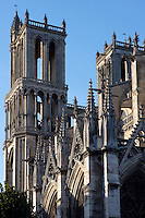 Nave, bell towers, Church of Notre Dame, 12th - 14th century, Mantes-la-Jolie, Yvelines, France Picture by Manuel Cohen
