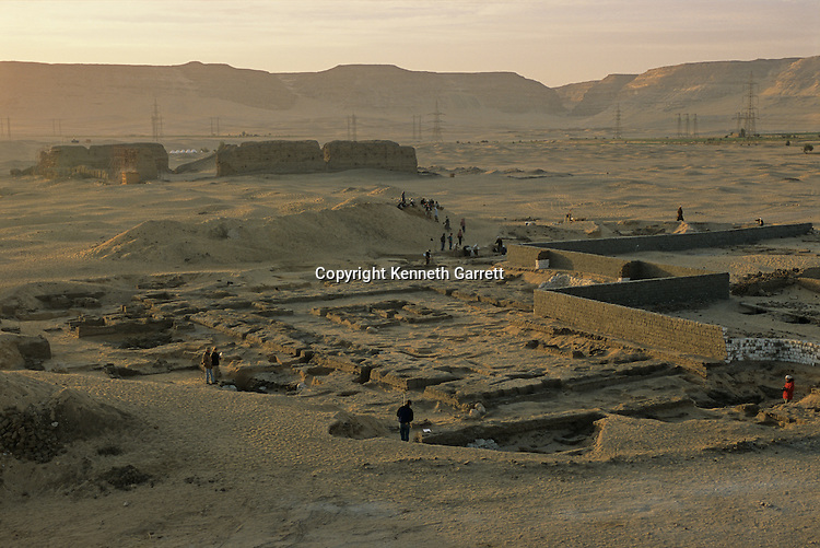 Abydos, Site overview of 1st dynasty Pharaoh Aha ceremonial enclosure, ca 2950 B.C., Early dynastic.