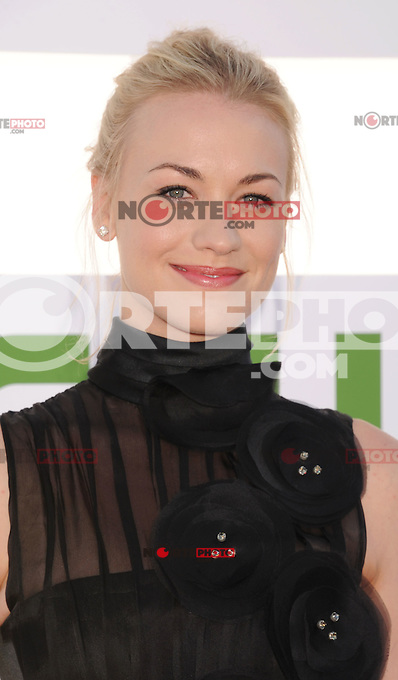 BEVERLY HILLS, CA - JULY 29: Yvonne Strahovski arrives at the CBS, Showtime and The CW 2012 TCA summer tour party at 9900 Wilshire Blvd on July 29, 2012 in Beverly Hills, California. /NortePhoto.com<br /> <br />  **CREDITO*OBLIGATORIO** *No*Venta*A*Terceros*<br /> *No*Sale*So*third* ***No*Se*Permite*Hacer Archivo***No*Sale*So*third*