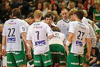technische Auszeit der Mannschaft von Frisch Auf Göppingen, mitte Trainer Velimir Petkovic (FAG)
