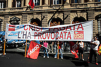 Roma 5 Giugno 2010.Manifestazione nazionale indetta da USB e Confederazione Cobas contro la manovra-massacro e l'attacco a diritti, salario, welfare..Rome June 5, 2010.National demonstration by trade unions and USB Cobas Confederation Against the maneuver-massacre and the attack on the rights, wages, welfare of the Berlusconi government