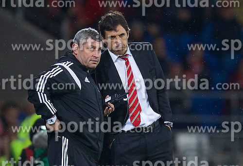 13.10.2014, City Stadium, Cardiff, WAL, UEFA Euro Qualifikation, Wales vs Zypern, Gruppe B, im Bild Wales' manager Chris Coleman and coach Osian Roberts // 15054000 during the UEFA EURO 2016 Qualifier group B match between Wales and Cyprus at the City Stadium in Cardiff, Wales on 2014/10/13. EXPA Pictures &copy; 2014, PhotoCredit: EXPA/ Propagandaphoto/ David Rawcliffe<br /> <br /> *****ATTENTION - OUT of ENG, GBR*****