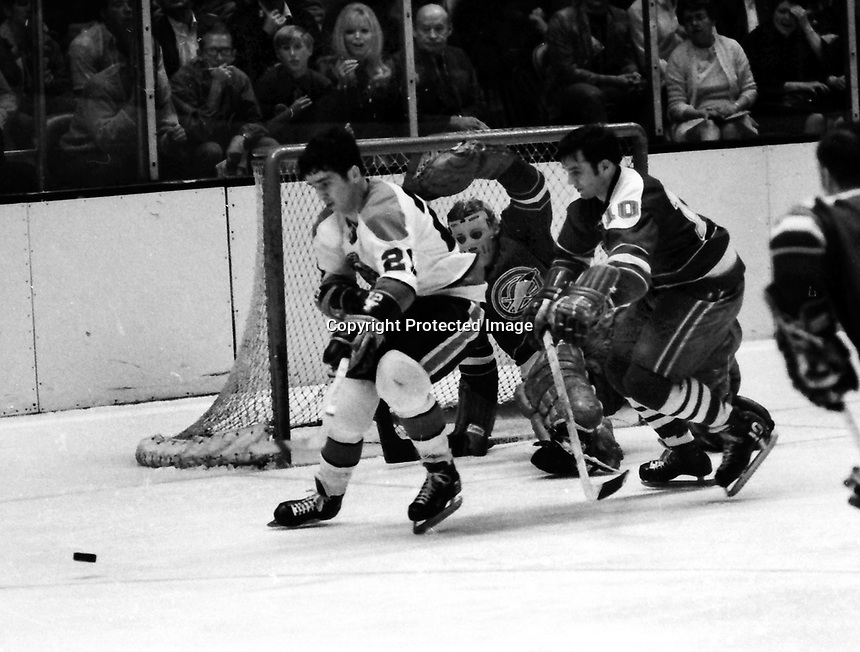 Seals vs Pittsburg Pengujins, 1970 play-off game.<br />