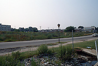 1989 August ..Conservation.Colonial Place-Riverview..Vacant lot at Lllewellyn...NEG#.NRHA#..