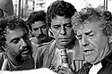 Henfil, Chico Buarque e Juca de Oliveira, artistas. Com&iacute;cio por elei&ccedil;&otilde;es Diretas J&aacute;. SP. 1984. Foto de Juca Martins.