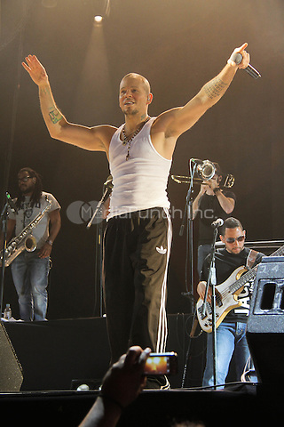 Calle 13 in concert in Mexico. May 25, 2012. © Tirador Primero/NortePhoto/MediaPunch Inc. ***NO MEXICO*** ***NO SPAIN***
