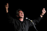MC Brian Nankervis at the Winterlong Benefit Concert for the Sophia Mundie Steiner School, held at the Thornbury Theatre, 30 August 2009.