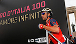 Vincenzo Nibali (ITA) Bahrain-Merida at sign on before the start of Stage 6 of the 100th edition of the Giro d'Italia 2017, running 217km from Reggio Calabria to Terme Luigiane, Italy. 11th May 2017.<br /> Picture: LaPresse/Simone Spada   Cyclefile<br /> <br /> <br /> All photos usage must carry mandatory copyright credit (&copy; Cyclefile   LaPresse/Simone Spada)