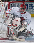 1/31/03  Omaha, NE University of Nebraska at Omaha Goalie Dan Ellis. (photo by Chris Machian/ Prarie Pixel Group)