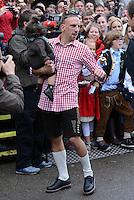 FUSSBALL   1. BUNDESLIGA   SAISON 2012/2013    Die Mannschaft des FC Bayern Muenchen besucht das Oktoberfest am 07.10.2012 Franck Ribery mit Kind, Tochter