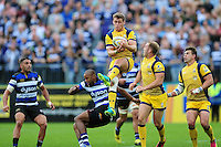 Jamie Shillcock of Worcester Warriors claims the ball in the air. Aviva Premiership match, between Bath Rugby and Worcester Warriors on September 17, 2016 at the Recreation Ground in Bath, England. Photo by: Patrick Khachfe / Onside Images