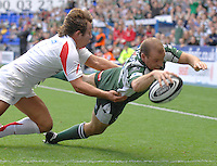 Reading, GREAT BRITAIN,  Exiles, Paul HODGSON, touches down in the corner for  first half try, during the Guinness Premiership match London Irish vs Newcastle Falcons, at Madejski. England, Sun. 23.09.2007  [Mandatory Credit, Peter Spurrier/Intersport-images].....
