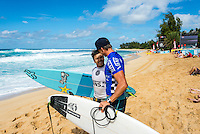 SUNSET BEACH, Oahu/Hawaii (Friday, December 5, 2014): Keanu Asing (HAW) and Ian Walsh (HAW). The Vans World Cup of Surfing was  called ON this morning with competition begining with Round 4. <br /> A new NW 6 - 8 foot swell was on hand for the final which built through the day to 10 foot plus by the afternoon.<br /> Four island boys reached the final, three from the islands of Hawaii and one from the islands of tahiti. By the final hooter it was the Tahitian Michel Bourez (PYF) who emerged vitreous with Dusty Payne (HAW) 2nd, Sebastien Zietz (HAW) 3rd and Ian Walsh (HAW) 4th. Photo: joliphotos.com