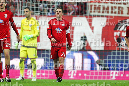 12.12.2015, Allianz Arena, Muenchen, GER, 1. FBL, FC Bayern Muenchen vs FC Ingolstadt 04, 16. Runde, im Bild Torjubel von Philipp Lahm #21 (FC Bayern Muenchen) zum 2:0 // during the German Bundesliga 16th round match between FC Bayern Munich and FC Ingolstadt 04 at the Allianz Arena in Muenchen, Germany on 2015/12/12. EXPA Pictures &copy; 2015, PhotoCredit: EXPA/ Eibner-Pressefoto/ Kolbert<br /> <br /> *****ATTENTION - OUT of GER*****