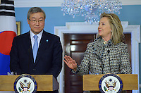 Hillary Clinton and Korean Foreign Minister