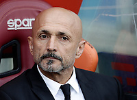 Calcio, Serie A: Roma, stadio Olimpico, 14 aprile 2017.<br /> Roma's coach Luciano Spalletti waits for the start of the Italian Serie A football match between Roma and Atalanta at Rome's Olympic stadium, April 14, 2017.<br /> UPDATE IMAGES PRESS/Isabella Bonotto