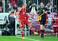 FUSSBALL   1. BUNDESLIGA  SAISON 2011/2012   15. Spieltag FC Bayern Muenchen - SV Werder Bremen        03.12.2011 Jubel nach dem Tor zum 2:1 Arjen Robben (FC Bayern Muenchen)