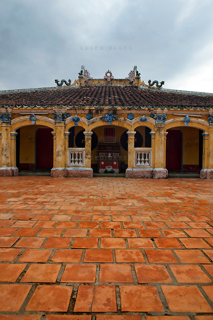The back of the prayer area of the Giac Vien Pagoda in District 11 in Ho Chi Minh City, Vietnam. Photo taken Monday, May 3, 2010..Kevin German / LUCEO