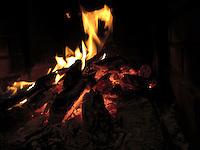 BOGOTA- COLOMBIA. Fuego en la chimenea. / Fire in the hearth. Photo: VizzorImage / Staff