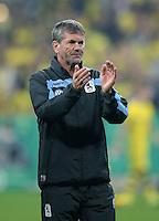 FUSSBALL   DFB POKAL 2. RUNDE   SAISON 2013/2014 TSV 1860 Muenchen - Borussia Dortmund         24.09.2013 Trainer Friedhelm Funkel (1860 Muenchen) nachdenklich
