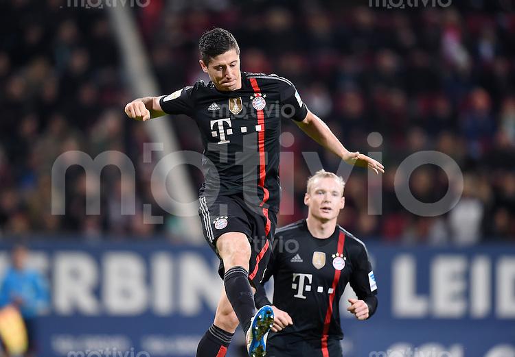 Fussball  1. Bundesliga  Saison 2014/2015  15. Spieltag  FC Augsburg - FC Bayern Muenchen     13.12.2014 JUBEL FC Bayern Muenchen; Torschutze zum 0-3 Robert Lewandowski (vorn) und Sebastian Rode