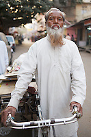 Junk hauler/garbage man - Jaipur, India