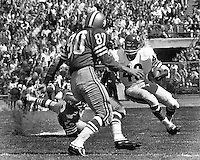 San Francisco 49ers vs the Chicago Bears, Kezar Statium 1967..Gale Sayers running, 49ers Stan Hindman. (photo Ron Riesterer/photoshelter)