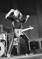 Suzi Quatro pictured in 1974. Credit: Ian Dickson/MediaPunch