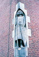 Hendrik Petrus Berlage: Amsterdam Commodities Exchange. Sculpture by Lambert Zijl and Mendes da Costa. Photo '87.