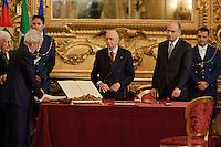 Roma, 28 Aprile  2013.Il governo Letta giura al Quirinale. Giorgio Napolitano, Presidente della Repubblica con Enrico Letta, Presidente del Consiglio..
